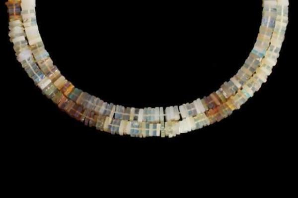 Quadratstrang 5,5-6mm/40cm, Welo-Opal (Äthiopien)