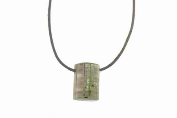 Kristall mit 2mm Querbohrung, Turmalin (19,6g)