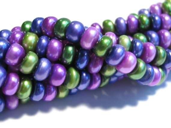 Buttonstrang 9mm/40cm, Süßwasser-Zuchtperle multicolor gefärbt