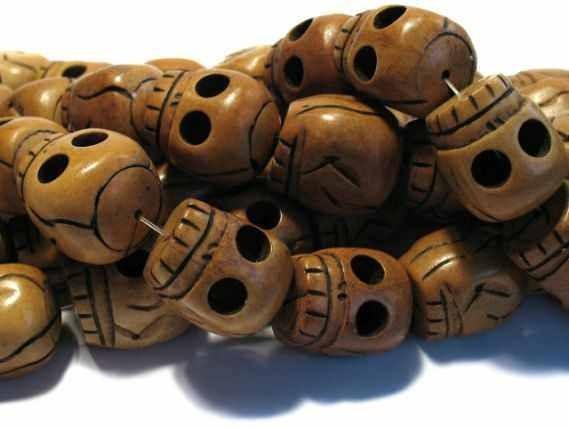 Skullheadstrang graviert 30mm/40cm, Bein