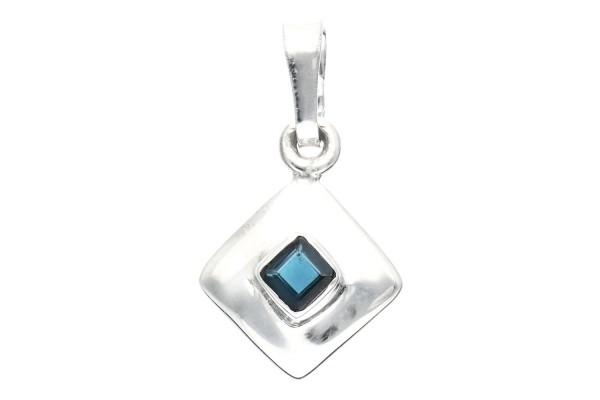 Anhänger in quadratischer Silberfassung 14x24mm, blauer Turmalin