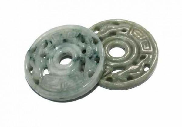 Medaillon mit Bohrung, ca. 53mm, Jade Burma
