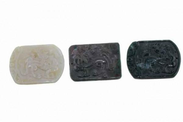 Drachen-Amulett mit 1mm Bohrung, 35x48mm, Achat